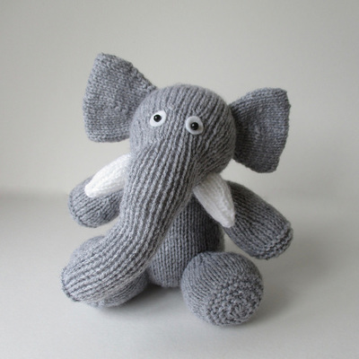 Knitting Stitches A To Z : Animals - Amanda Berry